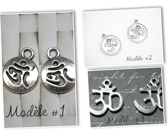 """2 charms """"Ohm"""" silver metal round Medallion"""