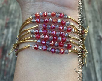 Red and gray combination bracelets with gold plated charms - Semanario combinacion rojo y gris con dijes de chapa de oro