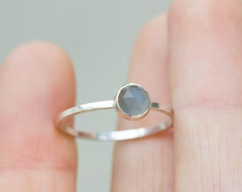 Gray Moonstone - Simple silver solitaire ring with gray Moonstone rose cut gemstone, June birthstone, 5mm, sterlin silver, 9k gold