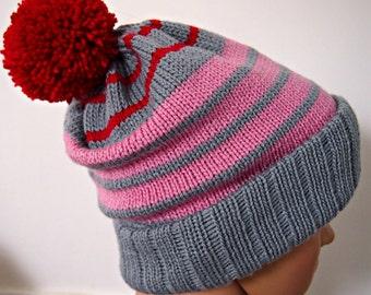 Mütze Grau-rosa und rote Streifen