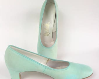 Vintage 1960s Mint Green Pumps Sz 8AA by Life Stride