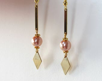 Pink Swarovski pearls and gold dangle earrings