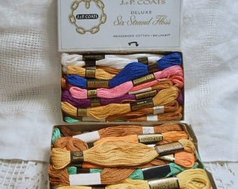 40 EMBROIDERY FLOSS Skeins 6 Strand 9 yds Cotton USA Mixed Lot, Coral Pink Yellow Tan Green Pink White, J P Coats Supply Craft Projects 1