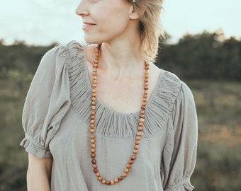Gift - Extra Long Apple Wood Beaded Mommy Necklace / Teething Necklace / Nursing Necklace - Handmade in Europe