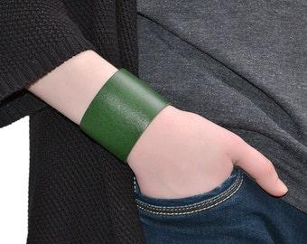 Wide Leather Bracelet Green / Leather Band Bracelet, Leather Cuff Bracelet / Mens Bracelet, Leather Wristband, Leather Wrap Bracelet