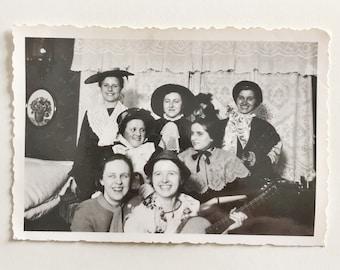 Original Vintage Photograph | Female Cast