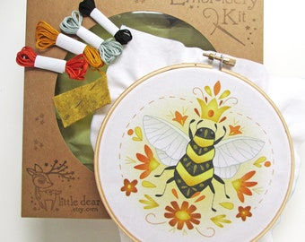 Hand Embroidery Kit Queen Bee DIY Sampler Embroidery Hoop art beginner embroidery pattern designs