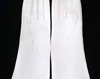 White Vintage Kid Leather Gloves ~ Size 7 3/4 ~ Silk Lined