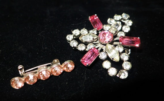 2 very Lovely vintage 1950s silvertone brooches with clear and pink rhinestones