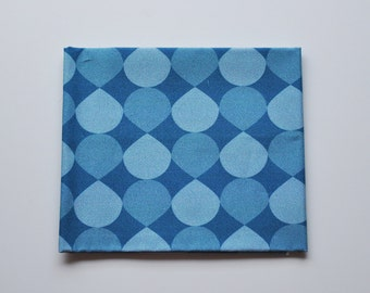 Tissu popeline - coupon 45x48cm - motif graphique gouttes - bleu, turquoise