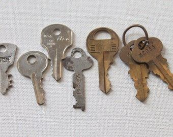 7 Unique Old Keys, no. 5  - perfect for assemblage, jewelry, scrapbooks, art and other crafts