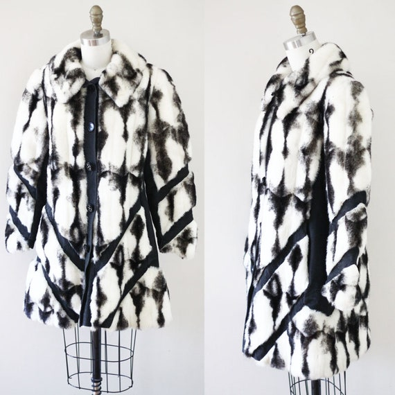 1960s black and white fur coat //1960s fur coat // vintage coat