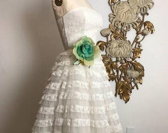 1950s dress lace dress white dress tulle dress vintage dress wedding dress prom dress Tea length dress strapless dress shelf bust dress