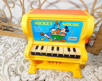 Mickey Mouse Gariel Busy Pop Up Piano 1976, Mickey Mouse, Toy Piano, Disney Toys, Vintage Toys, Jack In The Box :)s*