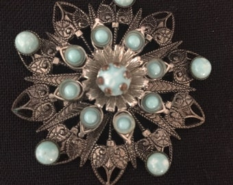 Sale!! Gorgeous Vintage Brooch!