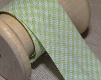 Through light green gingham, width 20 mm