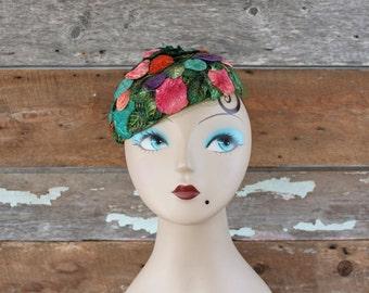 chapeau des années 1960 / années 60 bibi / années 60 fruité chapeau / chapeau de cocktail des années 1960