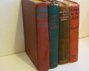 Ancien Shabby Vintage Books en lambeaux