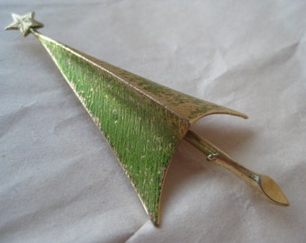 Christmas Tree Gold Brooch Green Vintage Pin Giovanni