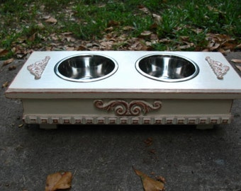Elevated Dog or Cat Bowl Pet Feeder Antique White Distressed, Pet Feeding, Pet Feeding Station 2 One Pint Stainless Bowls Made to Order