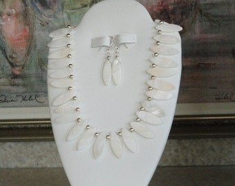 Mother of Pearl necklace  -  41