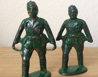 Vintage Pair of Toy Metal Soldiers,  Barclay's Stretcher Bearers