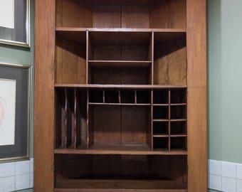 Antique Corner Bookshelf   Milo Milo