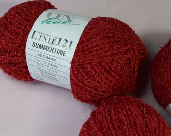 Trend-Collection Polyester Yarn in Red- Brick