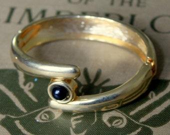 Vintage Bracelet Gold Black Modernist Style clamp Bangle