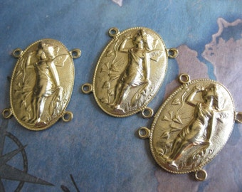 2 PC Raw Brass Cupid Cameo Link - OO07