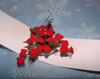 Dollhouse Miniature Ivy Hanging Basket, Red Ivy With Green Trim