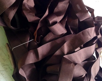 Vintage Tape Ribbon, Chocolate Brown Grosgrain Taffeta French Trim  / Millinery Ballet & Dolls / 5 yards