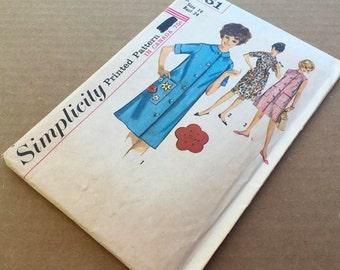 Duster House Dress Pattern, Simplicity 5251/womens sleeveless jumper dress. Size 14