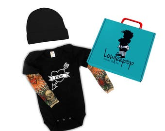 ROCKSTAR BABY KIT Mom Tattoo Heart onesie with tattoo sleeves, hat and optional gift box