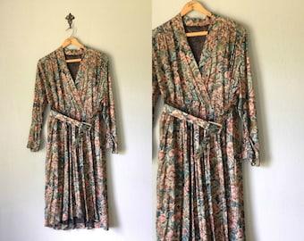 Vintage BRIAROAKS Dress •1990s Clothing • Long Sleeve Knee Length Shirtdress •Unique Tapestry Print Floral Wrap Dress • Women Medium Large