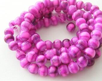 105 Fuchsia glass beads B94