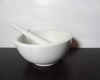 Vintage White Porcelain Mortar and Pestle - Kitchen Spice or Herb Grinder - Farmhouse Kitchenware