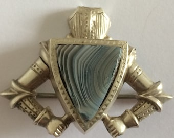 Exciting Victorian Scottish Suit of Armour Knight with central shield of Montrose Agate unmarked Silver Brooch - 37mm x 30mm.