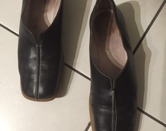 Women shoes, loafers black leather, vintage 80's, size 39, US 7.5