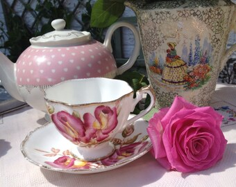 Vintage Queen Anne Pink Rose Teacup and Saucer. 1950s. TS072.