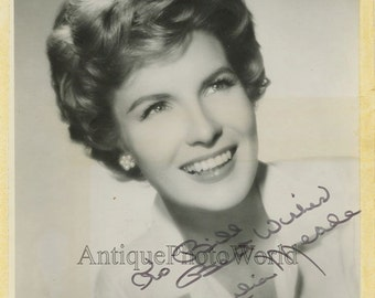 Actress Julia Meade vintage hand signed autographed photo