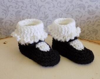 Crochet Baby Booties with Ruffle Socks