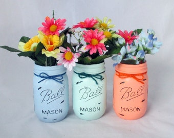 Painted distressed mason jars, flower vase, table decoration, party centerpice, distressed candle holder, painted mason jar, party decor