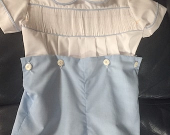 Button on boys outfit, ready to smock, belue white check bottom, size 2