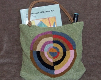 "Hand hooked tote bag, ""Le Premier Disque"""