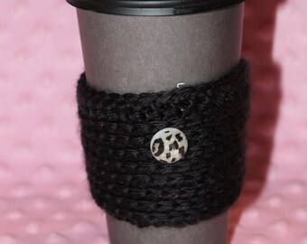 Travel Mug Cozy with Cheetah button