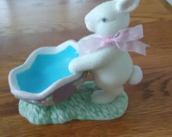 VINTAGE! Avon Easter Enchantment Candy Dish White Bunny Rabbit