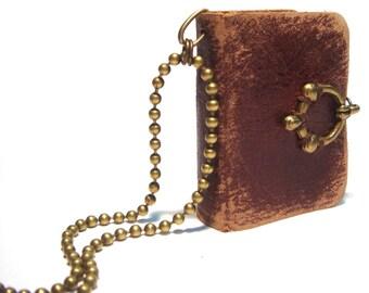 Mini Leather Book Pendant - ARTHUR - Vintage Style - Old Leather - Bronze Decor - 4x3 cm