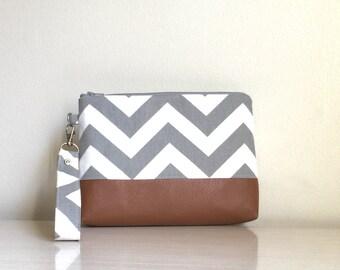 Cellphone wristlet wallet/womens travel accessories/mothers gift idea/modern makeup handbag/bridal party gifts/beach wedding/bridesmaid gift