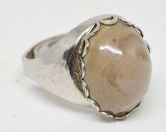 Charming Silver tone adjustable ring